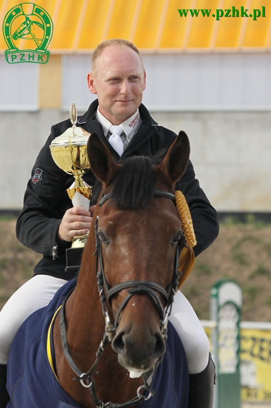 Grzegorz Psiuk - ARES